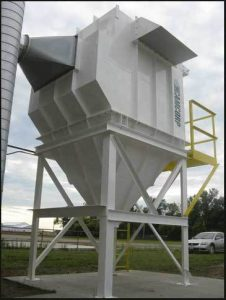 Vertical Cartridge CAM-AIRO model CA16 collects seed dust