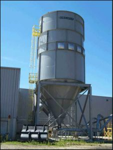 Installed medium pressure reverse air dust collector for recycling wood dust